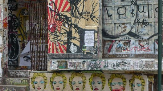 Marilyn on city street