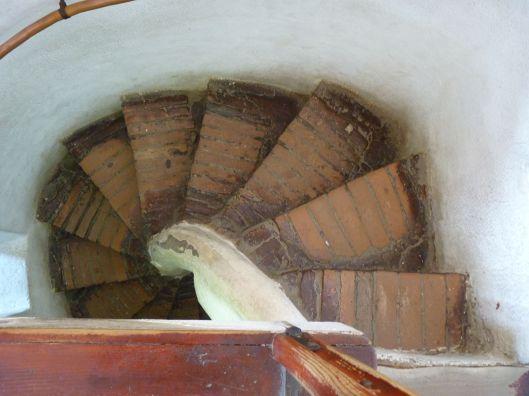 descending staircase